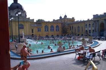 Baños termales y piscinas Széchenyi